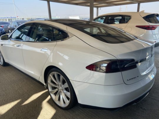 Tesla Model S - 2013 White