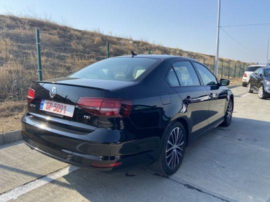 Volkswagen Jetta - 2016 Black 1.8L