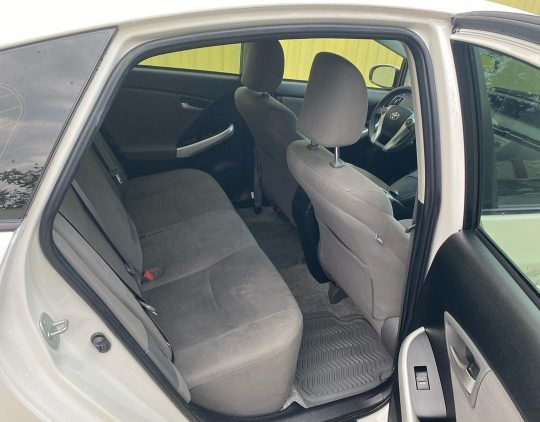 Toyota Prius - 2013, 1.8 см бензин-гибрид_1